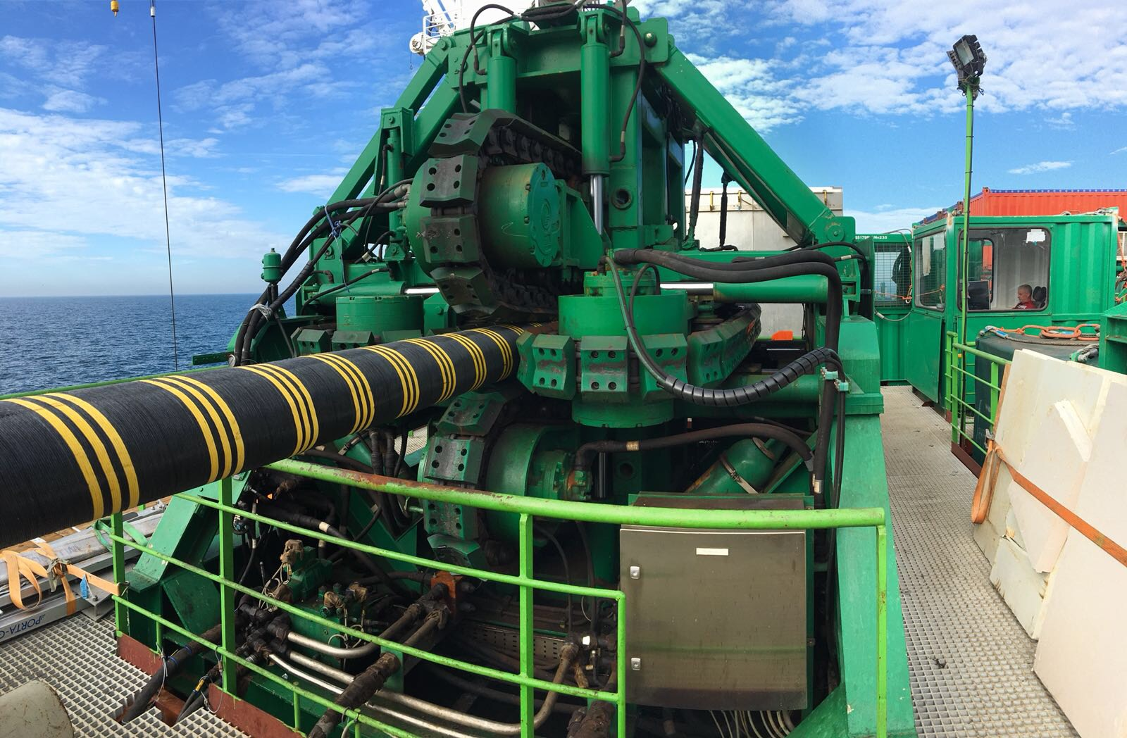 Sparrows tensioner handling cable for subsea installation2