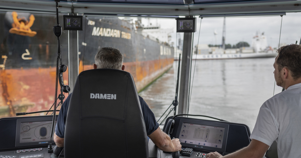Damen Wins UX Design Award for Human Machine Interface for Tugs