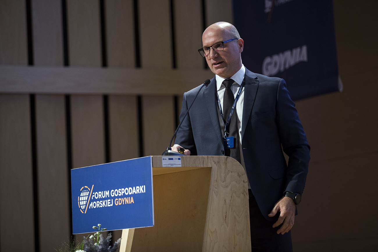 2 Radosław Pachecki Maritime Logistics Project Manager of PGE Baltica speaks at Maritime Forum Gdynia 3